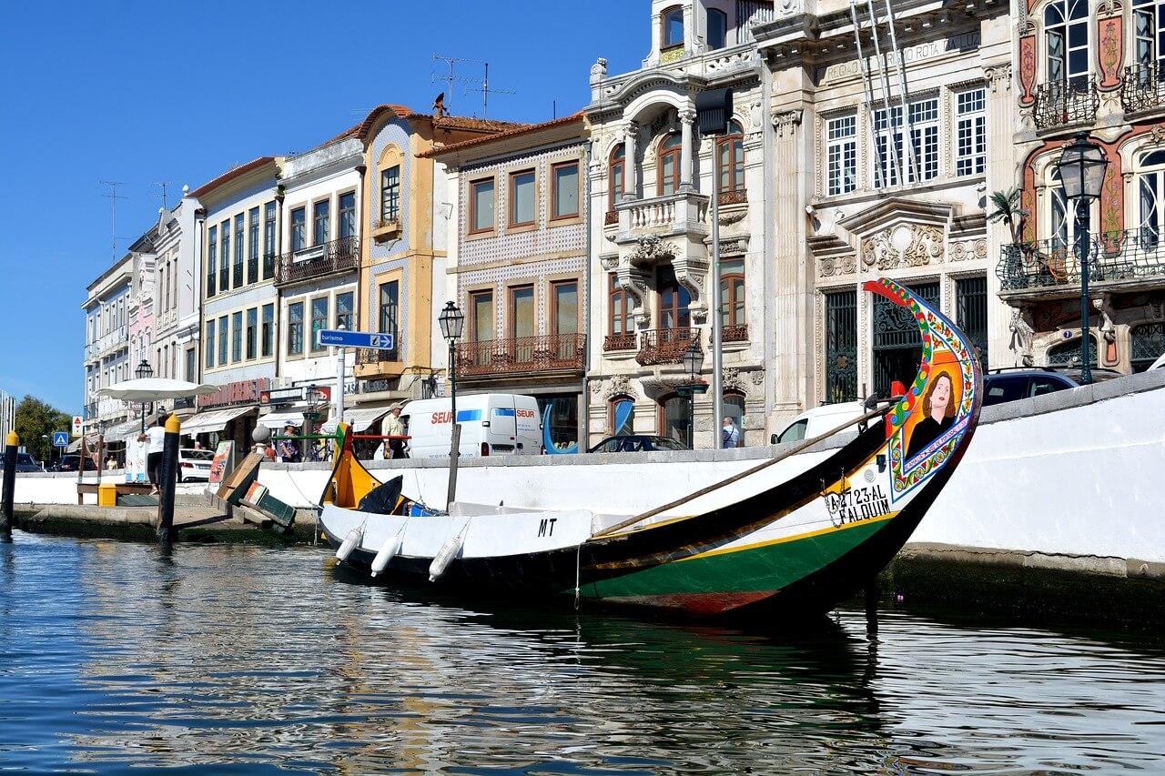 Le colorate imbarcazioni di Aveiro