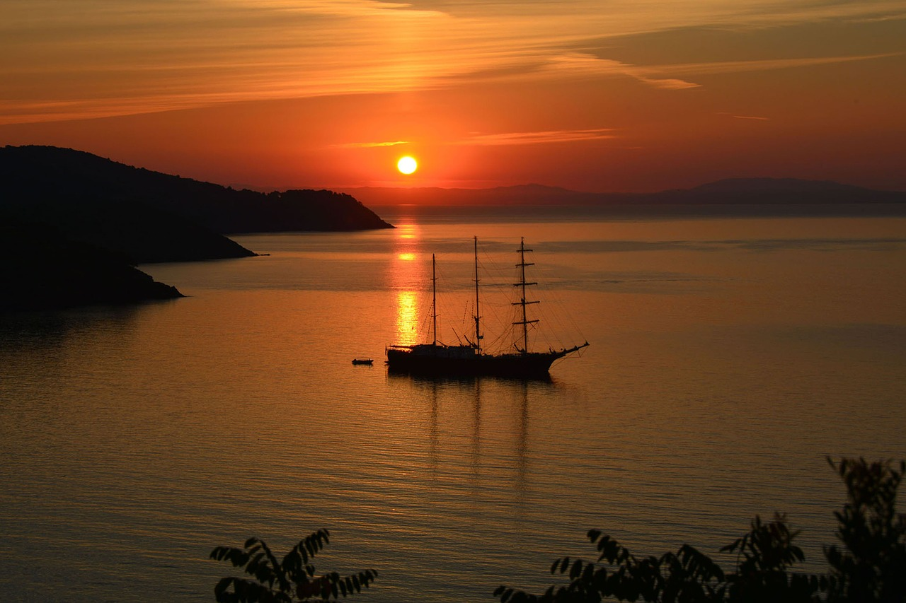 I luoghi d'incanto da cui vedere i tramonti più belli dell'isola d'Elba